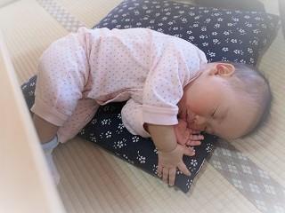 赤ちゃん熟睡しました。