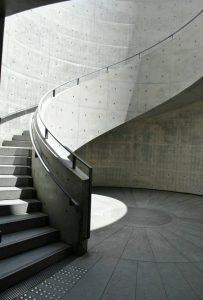兵庫県立美術館 円形テラスの写真 安藤忠雄