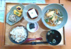 さんぼう高野山ランチ 中央食堂さんぼう 盛り豆腐精進あんかけ